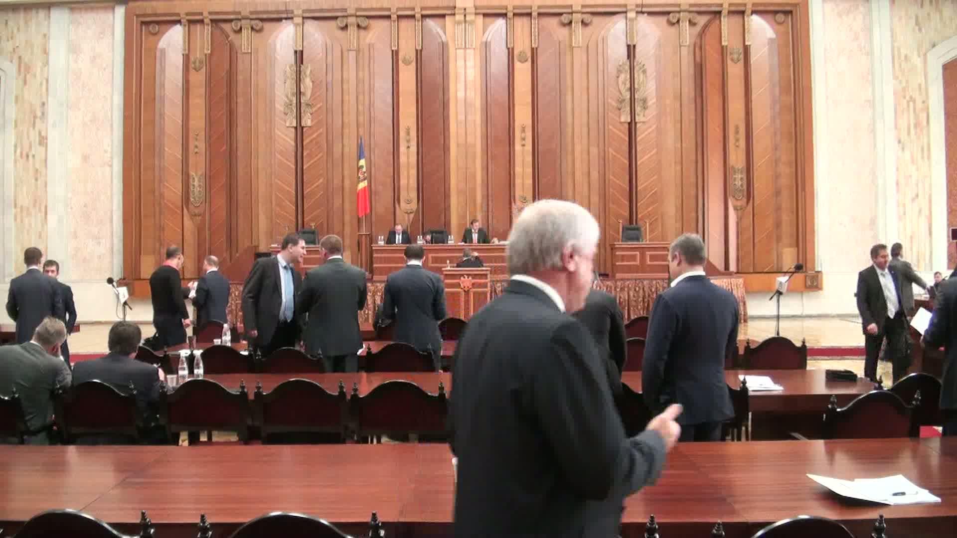 Şedinţa Parlamentului Republicii Moldova din 3 octombrie 2013