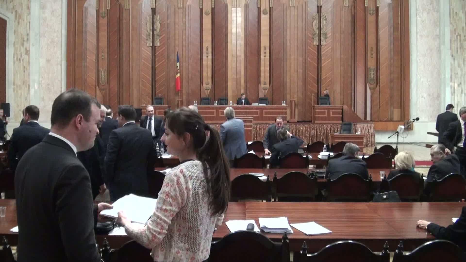 Ședința Parlamentului Republicii Moldova din 23 decembrie 2013