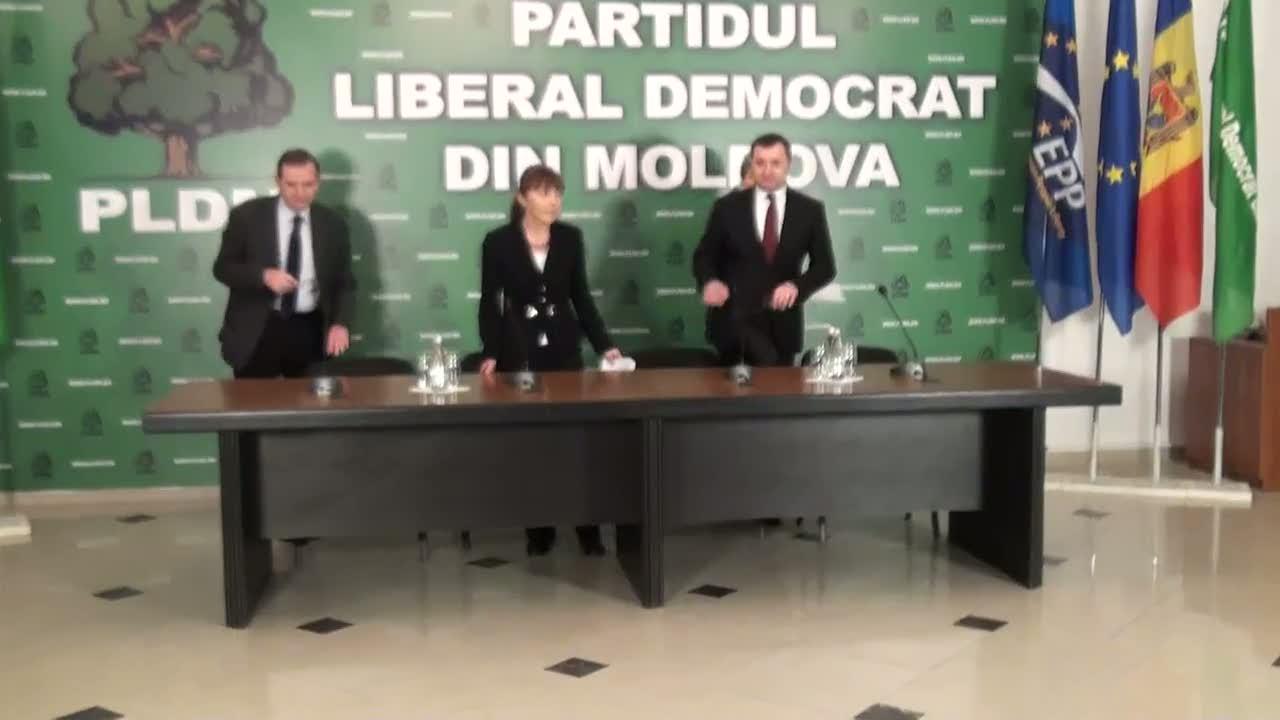 Conferință de presă susținută de președintele PLDM, Vlad Filat, și europarlamentarii din grupul PPE - Theodor Stolojan, Monica Macovei, Marian Jean Marinescu