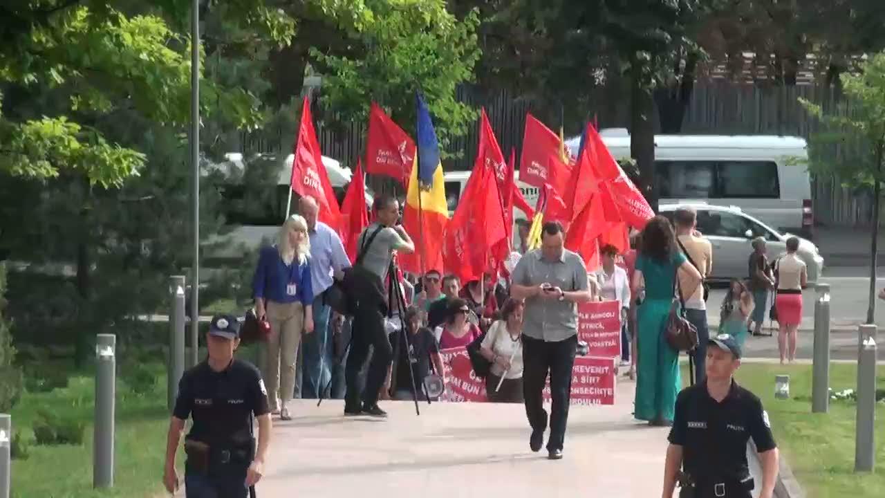 Acţiune de protest organizată de PSRM faţă de efectele dezastruoase ale Acordului de Asociere, 08.30
