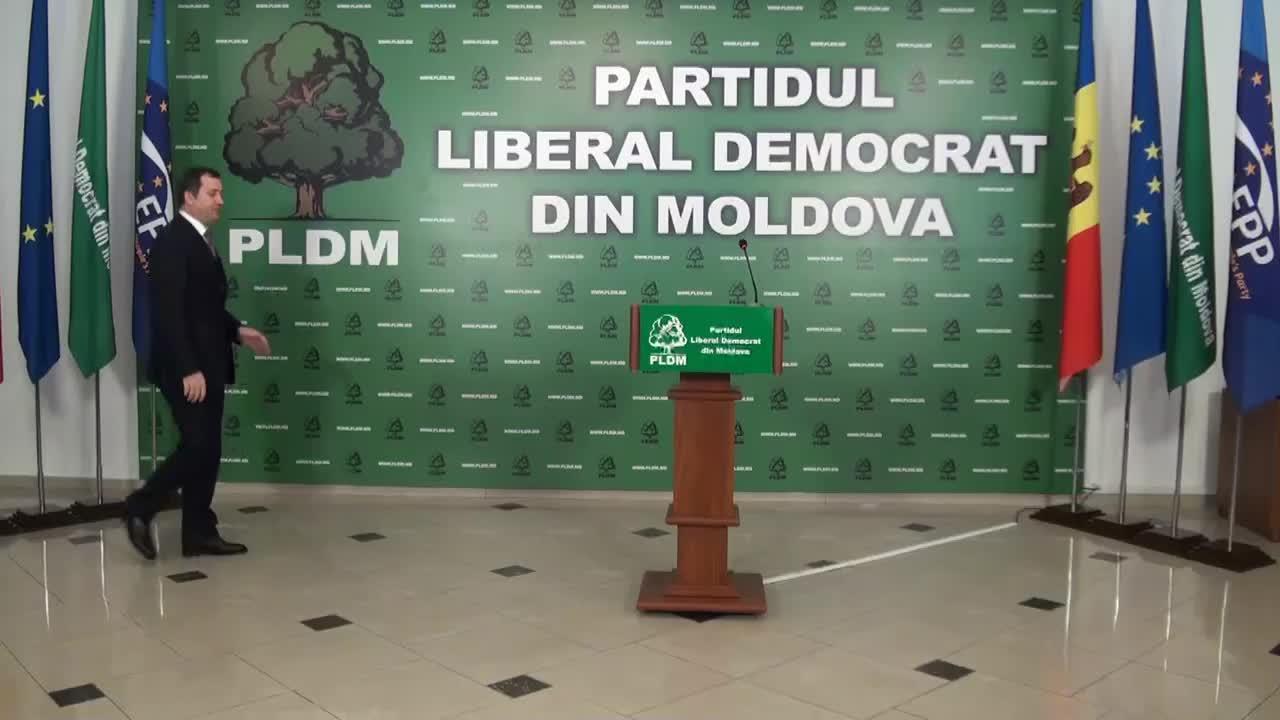 Conferinţă de presă susţinută de preşedintele PLDM, Vlad Filat, după anunţarea rezultatelor preliminare ale alegerilor parlamentare, 13.00