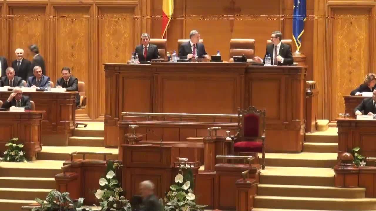 Ședința solemnă a Camerei Deputaților și Senatului consacrată ceremonialului depunerii jurământului de către președintele ales al României, Klaus Werner Iohannis
