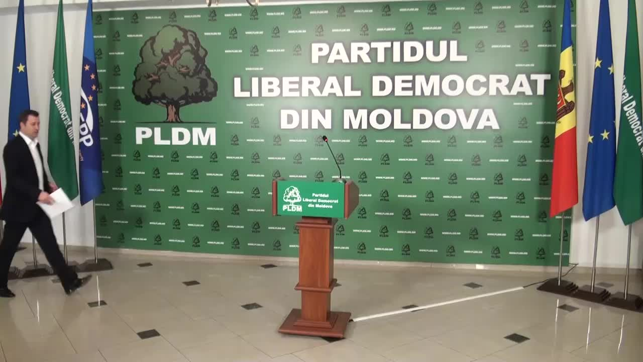 Briefing sustinut de presedintele PLDM, Vlad Filat, privind rezultatele turului al doilea al alegerilor locale generale