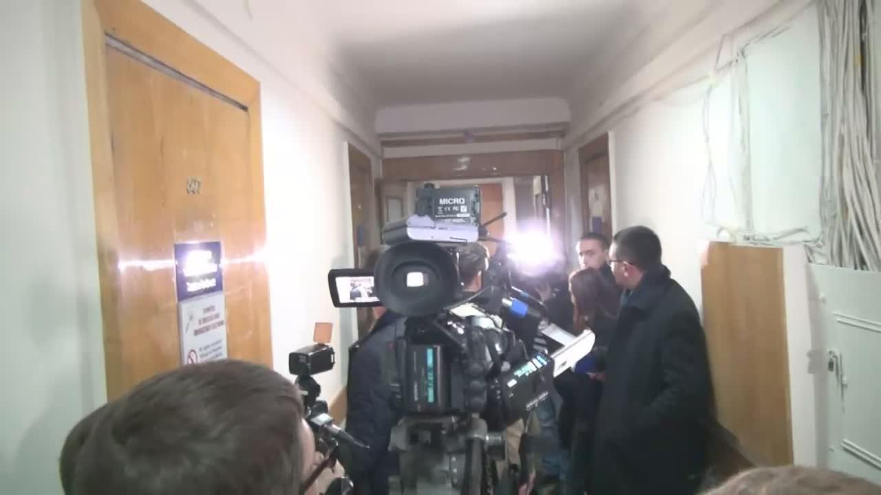Judecătoria Buiucani decide dacă îi va prelungi sau nu arestul ex-premierului Vlad Filat cu încă 30 de zile, la solicitarea procurorilor