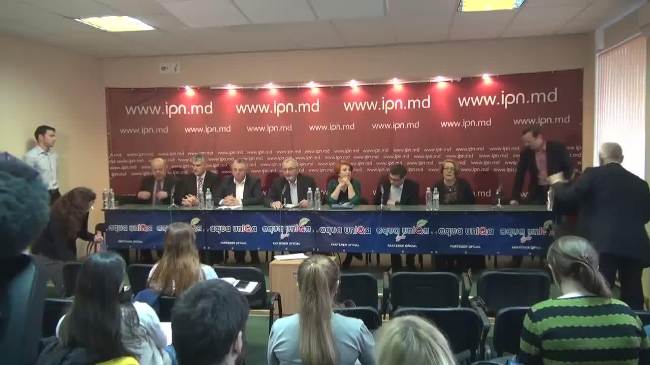 """Conferința de presă cu tema """"Rezoluția Forumului Civic cu privire la soluțiile de depășire a crizei social-politice din Republica Moldova"""""""