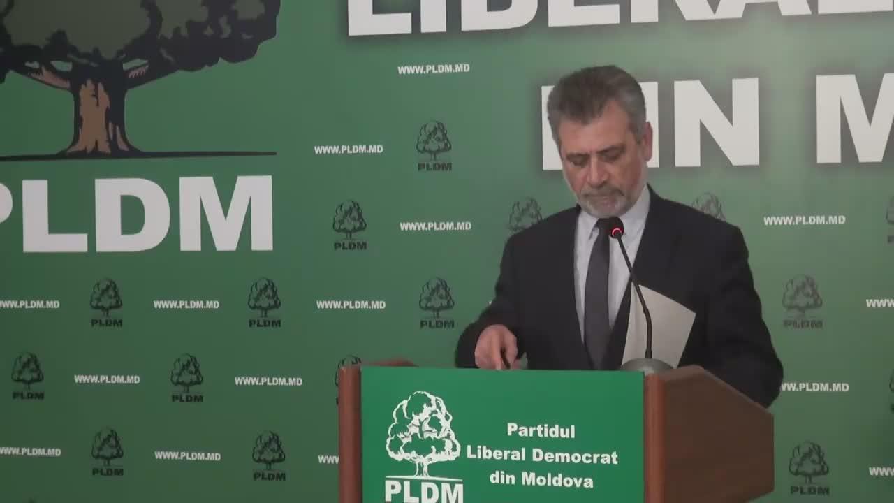 Conferință de presă susținută de deputatul liberal-democrat, Tudor Deliu