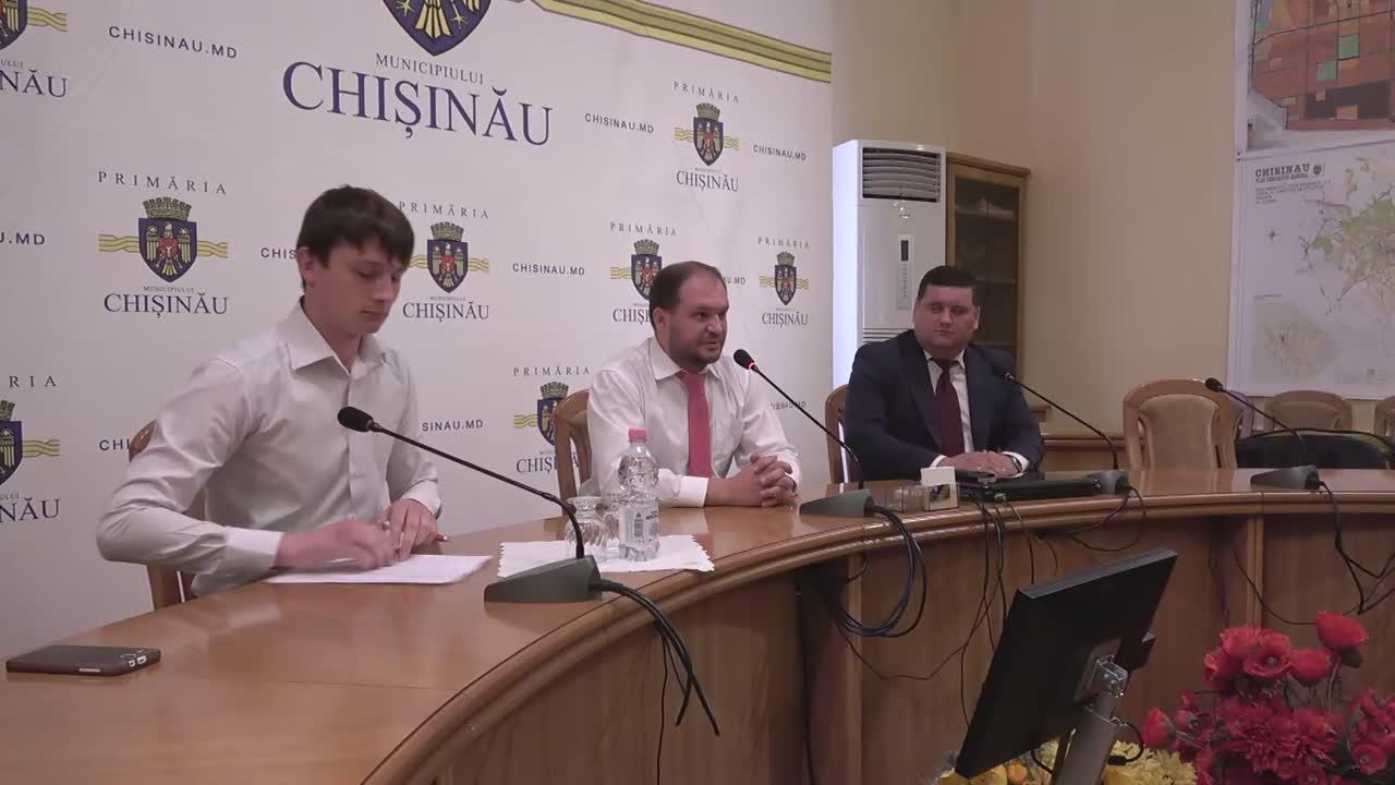 """Conferință de presă susținută de consilierii PSRM din CMC cu tema """"Acțiuni după adoptarea Legii statutului mun. Chișinău"""""""