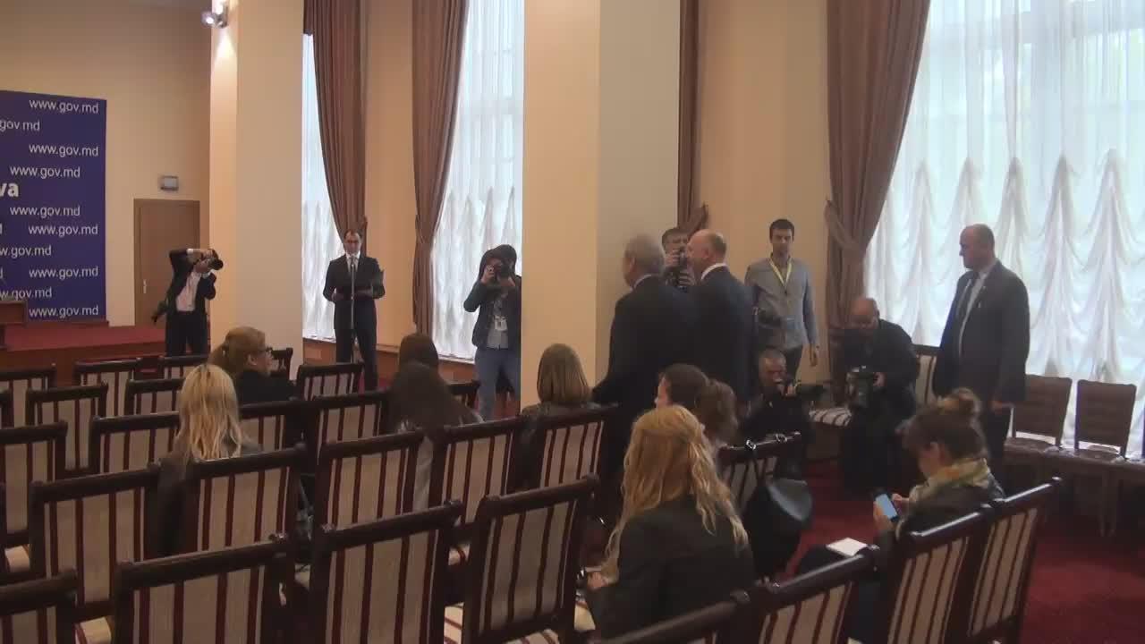 Declarații de presa susținută de prim-ministrul Republicii Moldova, Pavel Filip, și Comisarul european pentru politica de vecinătate și negocieri pentru extindere, Johannes Hahn