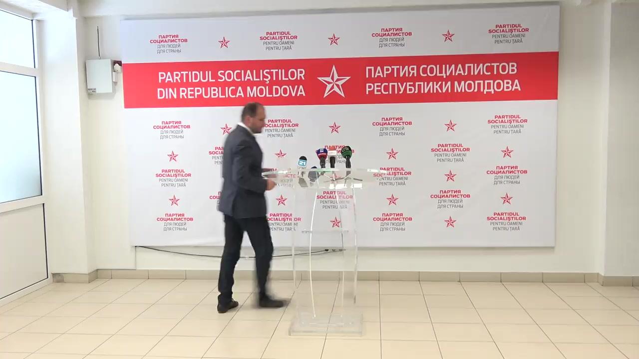 """Briefing organizat de Partidul Socialiștilor din Republica Moldova cu tema """"Poziția PSRM față de decizia unor partide de dreapta de boicotare a referendumului anti-Chirtoacă"""""""