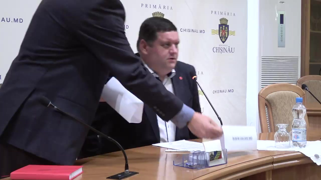 """Briefing organizat de consilierii municipali ai PSRM cu tema """"Când va fi adoptat bugetul municipal Chișinău pentru anul 2018"""""""