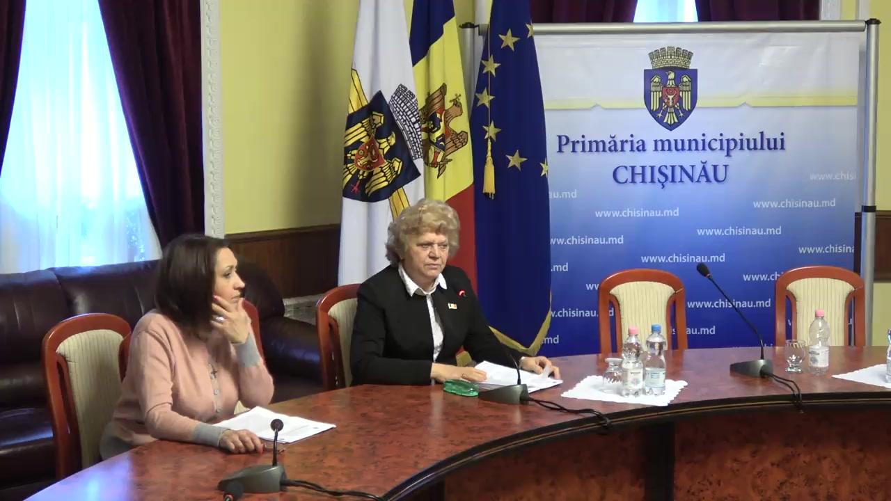 """Briefing organizat de consilierii municipali ai PSRM cu tema """"Ce trebuie să facă cetățenii după ce guvernul a lichidat fondul de susținere socială a populației"""""""