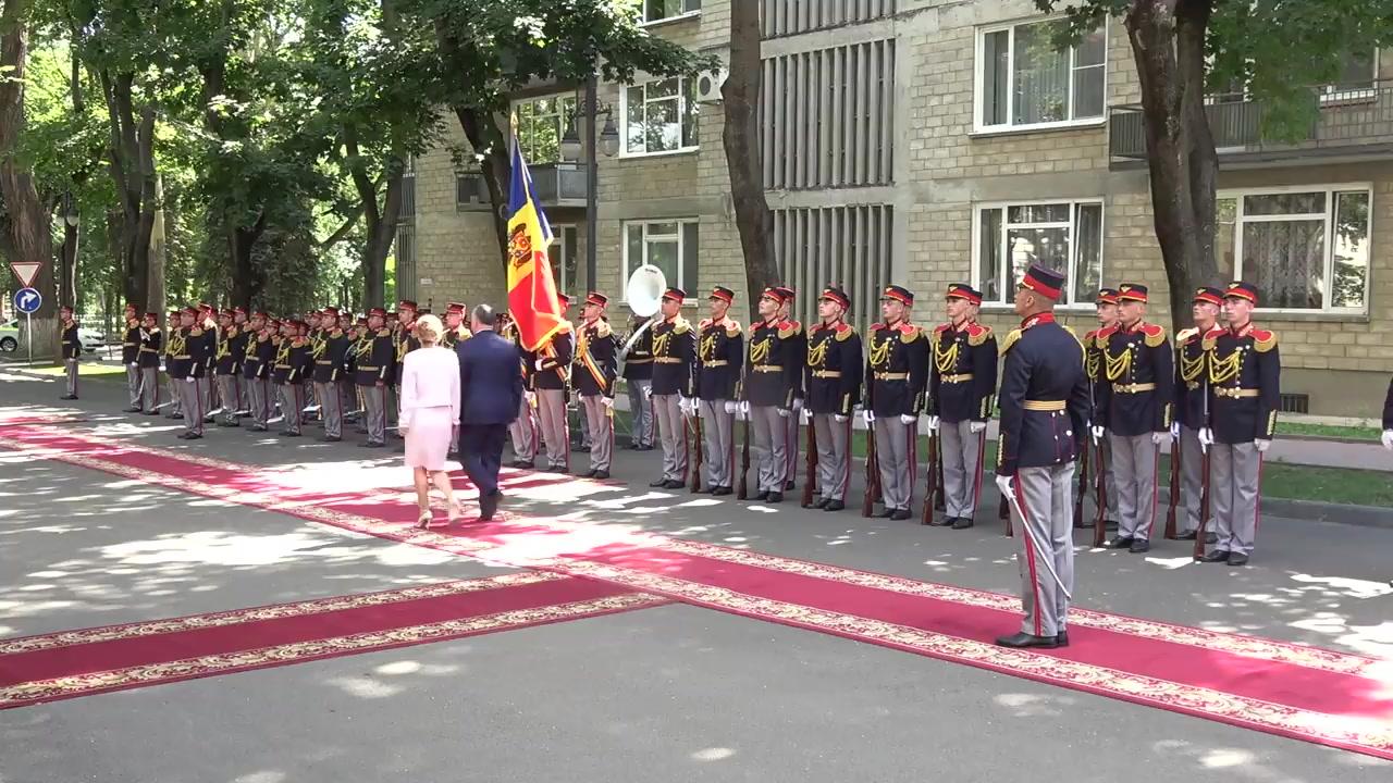 Ceremonia oficială de întâmpinare a Președintelui Republicii Macedonia, Gjorge Ivanov, de către Președintele Republicii Moldova, Igor Dodon