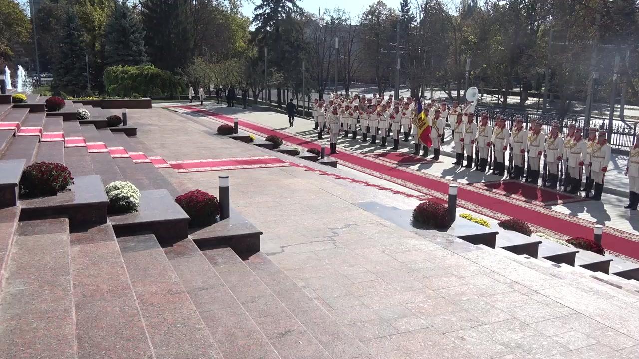Ceremonia oficială de întâmpinare a Președintelui Republicii Turcia, Recep Tayyip Erdoğan,și a doamnei Emine Erdoğan, de către Președintele Republicii Moldova, Igor Dodon