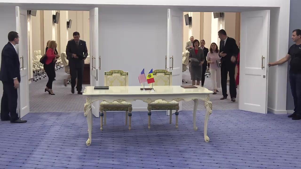 Conferință de presă susținută de Prim-ministrul Republicii Moldova, Maia Sandu, ambasadorul Statelor Unite ale Americii în Republica Moldova, Derek J. Hogan, și Adjunctul Administratorului Biroului USAID pentru Europa și Eurasia, Brock Bierman