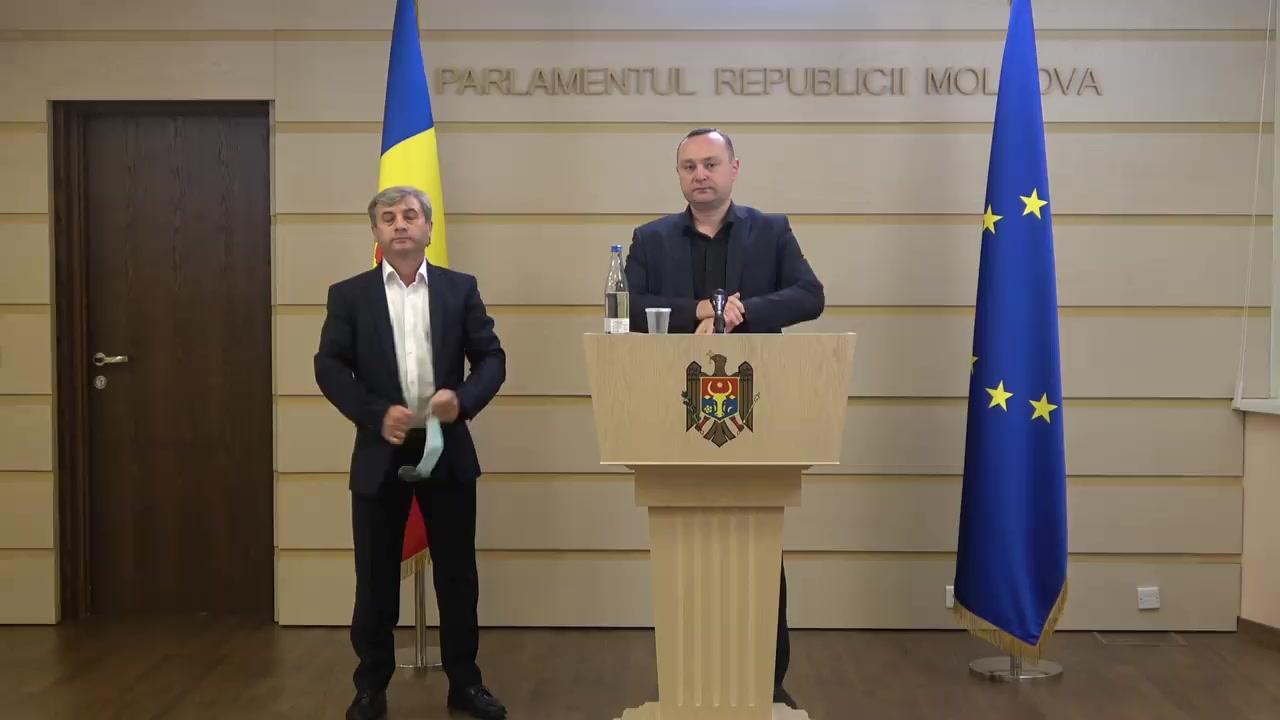 Briefing de presă a reprezentanților coaliției de guvernare