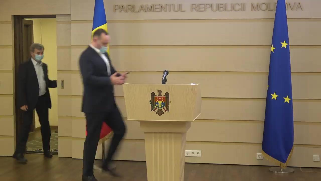 Declarație de presă susținută de Vlad Batrîncea și Corneliu Furculiță