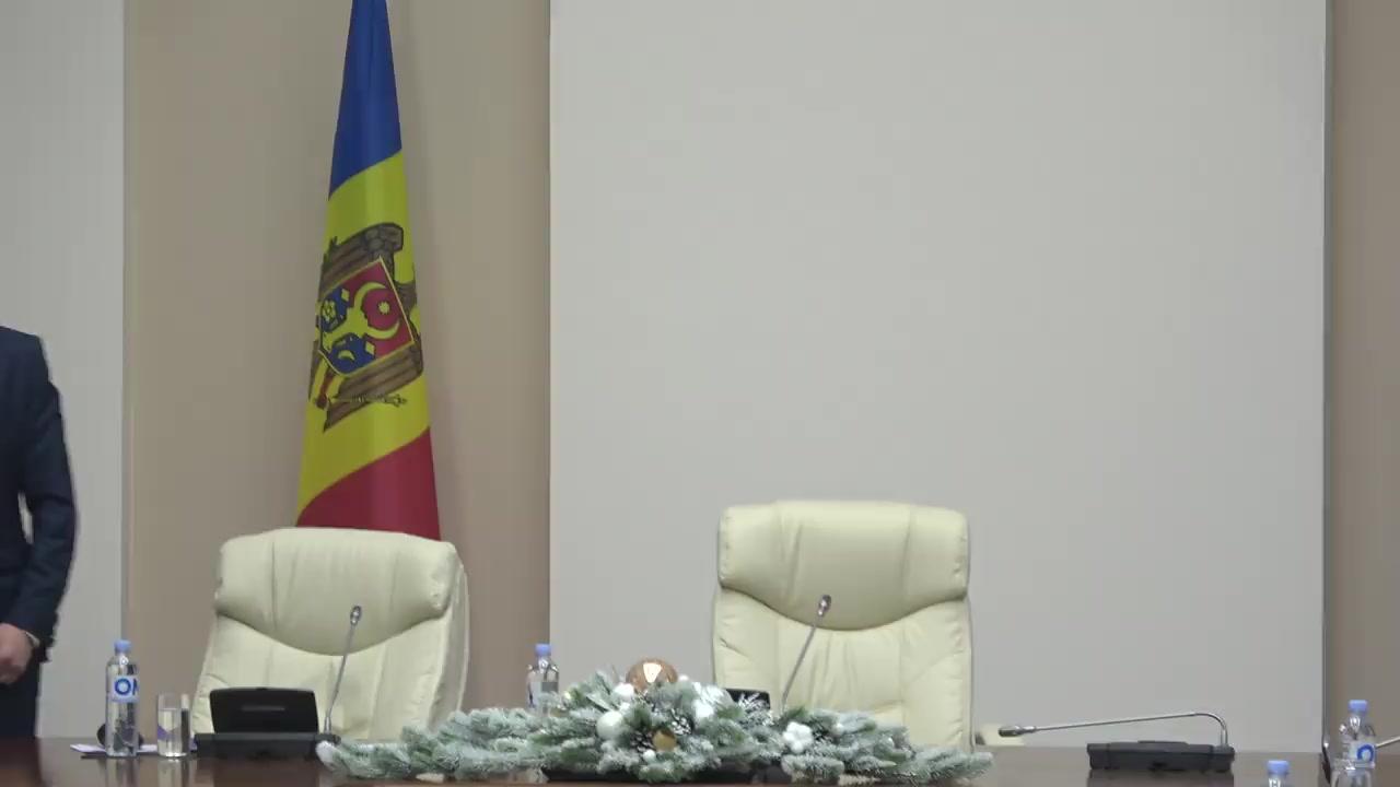 Conferință de presă susținută de Prim-ministrul Republicii Moldova, Ion Chicu, Ministru al Finanțelor, Sergiu Pușcuța, Ministru al Sănătății, Muncii și Protecției Sociale, Viorica Dumbrăveanu, și Ministru al Economiei și Infrastructurii, Anatol Usatîi
