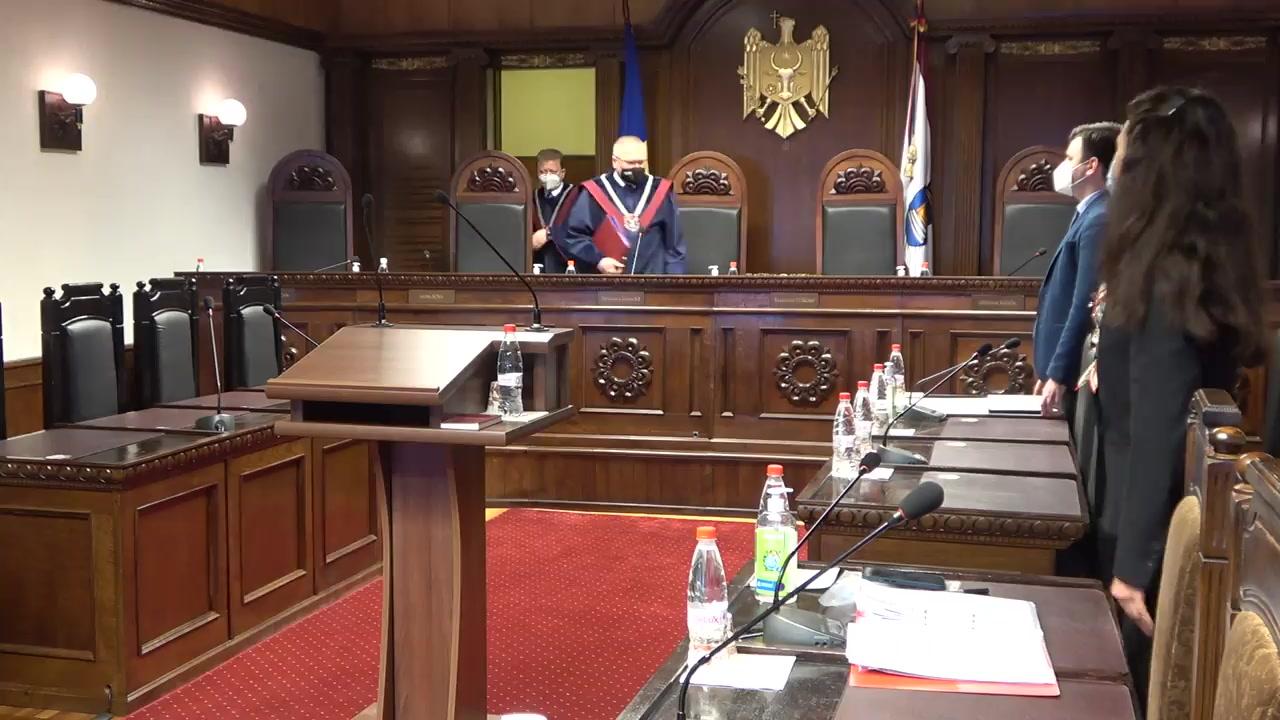 Ședința Curții Constituționale privind examinarea sesizării nr. 2a/2021 privind controlul constituționalității unor prevederi din Legea cu privire la Guvern nr. 136 din 7 iulie 2017