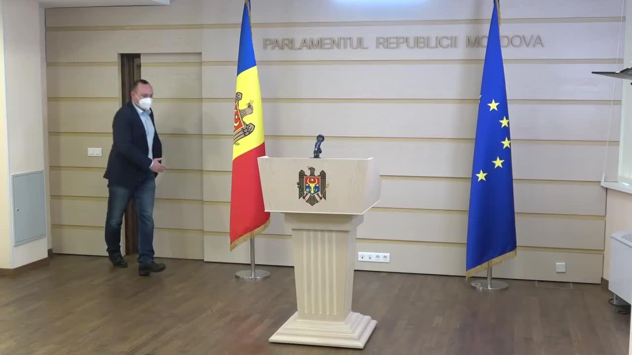 Briefing de presă susținut de către deputatul Blocului Comuniștilor și Socialiștilor, Vlad Batrîncea