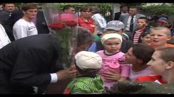 Președintele interimar, Președintele Parlamentului Republicii Moldova Mihai Ghimpu participă la evenimentele culturale organizate cu prilejul Zilei ocrotirii copilului - 1 iunie în raionul Anenii Noi. Imagini preluate de pe parlament.md