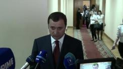 Declarațiile prim-ministrului, Vlad Filat, cu privire la Work and Travel și cu privire la depunere mandatului de deputat a lui Vitalie Nagacevschi