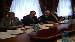 Președintele interimar, Președintele Parlamentului Republicii Moldova, Mihai Ghimpu, se întâlnește cu colaboratorii MAI, Procuratură, CCCEC și SIS privind problema '7 aprilie 2009' și barierei de pe str. Ciocârliei
