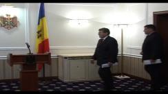Președintele interimar Mihai Ghimpu ține un briefing de presă cu ocazia semnării decretului prezidențial privind ziua de 28 iunie. Imagini preluate de pe presedinte.md