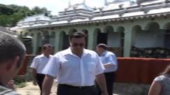 Marian Lupu, președintele PDM, în vizită la Tatiana Bercu, locuitoarea satului Corjeuți, care a avut de suferit pe urma inundațiilor