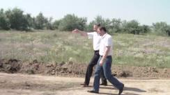 Inspectarea de către prim-ministrul Vlad Filat, a drumului care va lega satul Cotul Morii de șoseaua Chișinău-Leușeni