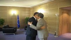 Întrevederea prim-ministrului Republicii Moldova, Vlad Filat cu Comisarul European pentru Agricultură și Dezvoltare Rurală, Dacian Cioloș. Imagini preluate de pe gov.md