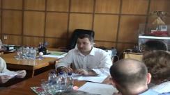 """Ședința de lucru de la uzina de tractoare """"Tracom"""" în cadrul vizitei de lucru a prim-ministrului Vlad Filat"""