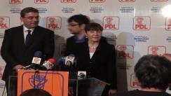 """Conferință de presă după depunerea moțiunea """"Reformiștii"""" de candidatul pentru funcția de președinte al PDL, Monica Macovei"""