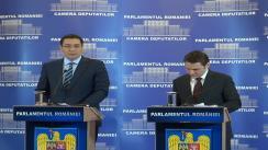 Conferință de presă susținută de prim-ministrul României, Victor Ponta și ministrul delegat pentru proiecte de infrastructură și investiții străine, Dan Șova