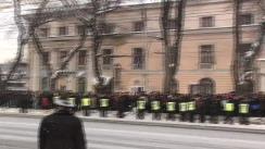 Ceremonia depunerii coroanelor de flori la monumentul lui Ștefan cel Mare din cadrul vizitei la Chișinău a președintelui României, Traian Basescu