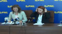 Conferință de presă susținută de deputatul PNL, Alina Gorghiu, și purtătorul de cuvânt al PNL, Cristina Pocora