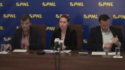 Conferință de presă susținută de viceliderul grupului parlamentar al PNL din Camera Deputaților, Răzvan Mironescu, și senatorul, Tudor Barbu