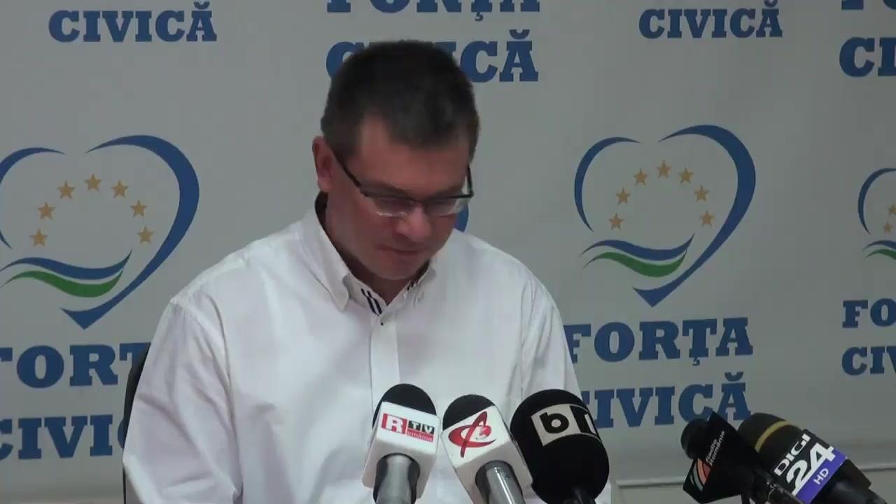 Conferință de presă susținută de președintele Partidului Forța Civică, Mihai Răzvan Ungureanu, pe subiecte de politică internă