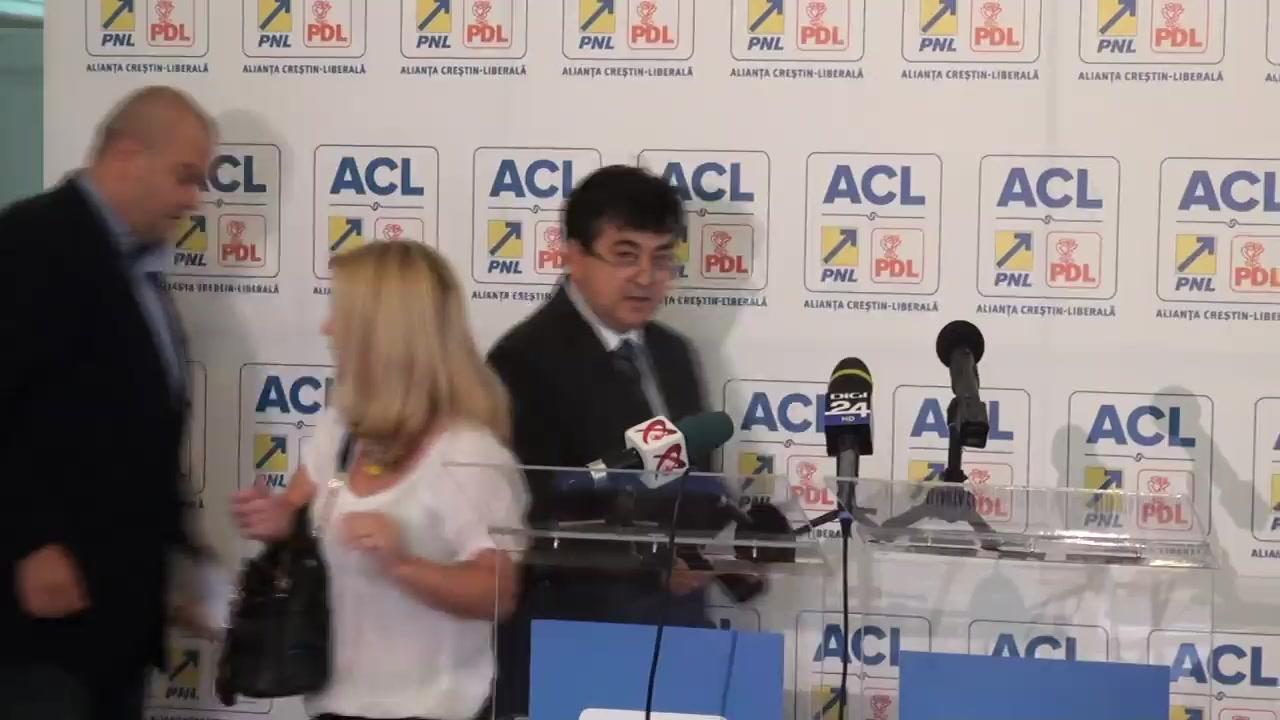 Conferință de presă susținută de liderii Grupurilor parlamentare ale PNL și PDL din Camera Deputaților, George Scutaru și Tinel Gheorghe