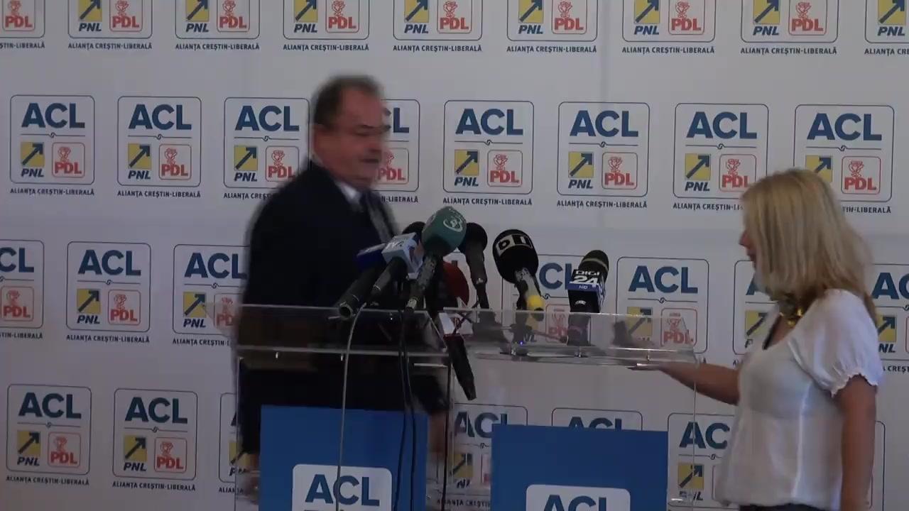 Conferință de presă susținută de copreședinții Alianței Creștin-Liberale, Klaus Iohannis și Vasile Blaga