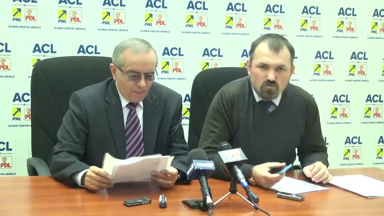 Conferință de presă susținută de Marius Dangă, președintele Organizației Municipale a PNL Iași și Dumitru Oprea, președintele PDL Iași