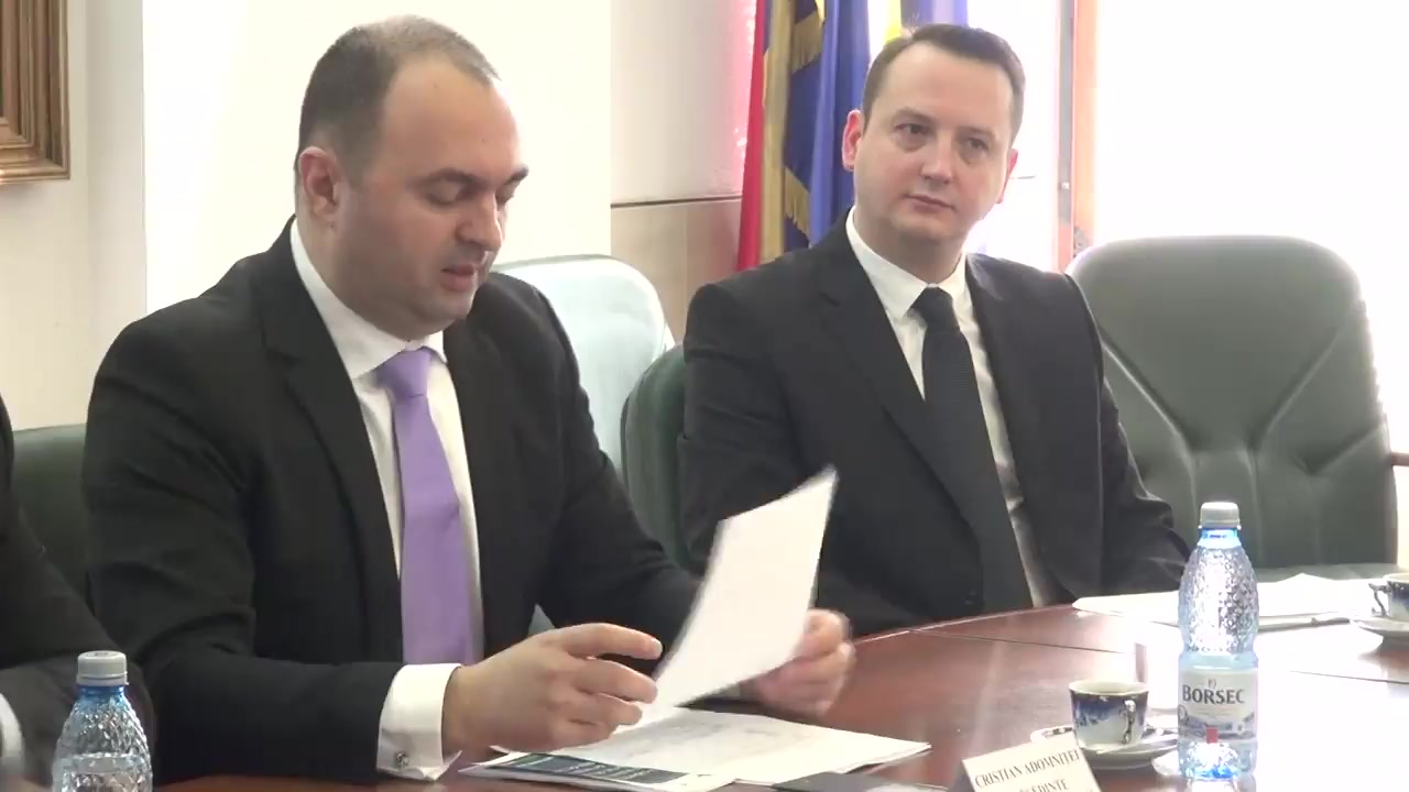 Conferința de presă privind recepția finală și darea în folosință a 6 autovehicule șenilate, la Consiliul Județean Iași