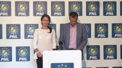 Conferință de presă susținută de vicepreședintele PNL, Nini Săpunaru, și prim-vicepreședintele PNL Sibiu, Diana Pavelescu