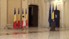 Ceremonia de decorare a Colegiului Juridic franco-român de studii europene de către președintele României, Klaus Iohannis