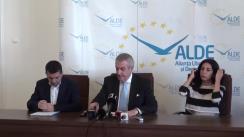 Conferință de presă susținută de copreședinții ALDE, Călin Popescu-Tariceanu și Daniel Constantin, după ședința Comisiei pentru fuziune a partidului