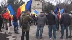 Flashmob organizat de Tinerii Moldovei față de declarațiile anti-unioniste ale liderului PSRM, Igor Dodon