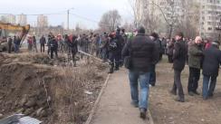 Deputații, consilierii municipali și activiștii PSRM împiedică construcția ilegală de pe strada Doga 32/2, anulată de CMC în data de 18 februarie