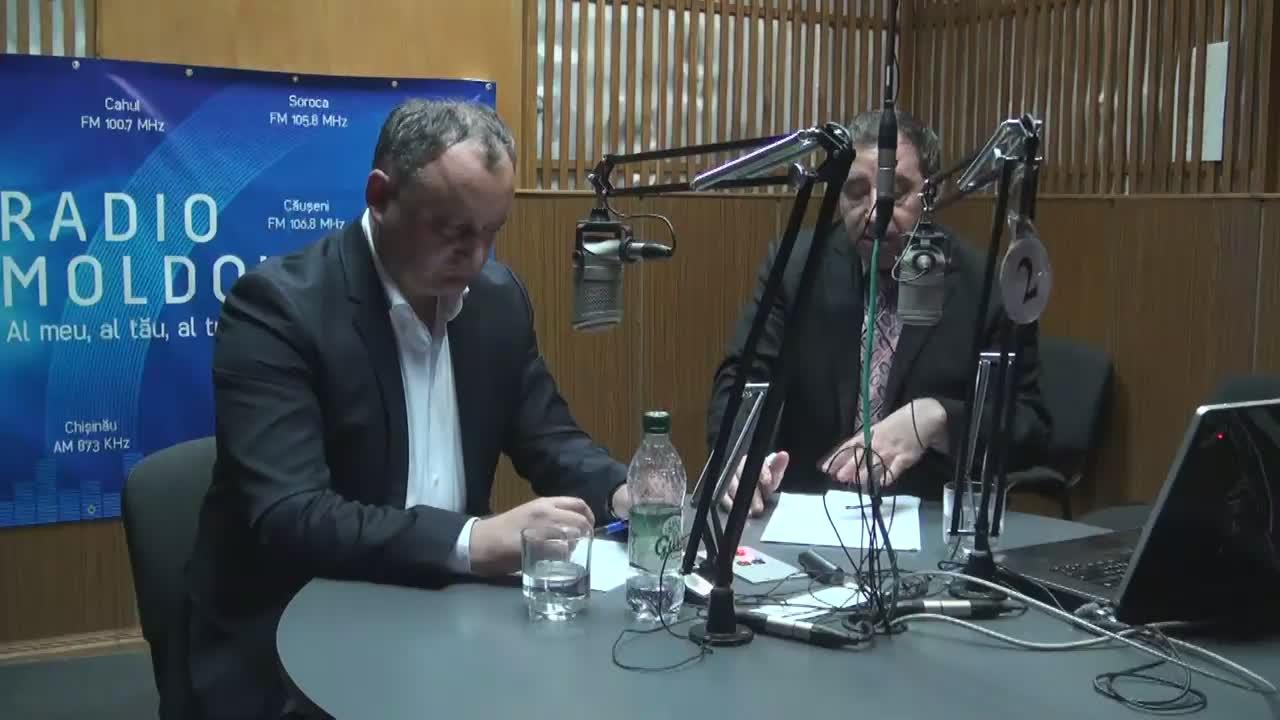 """Radio Moldova. Emisiunea """"Loc de dialog"""". Invitat - Igor Dodon, președintele PSRM"""
