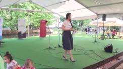 Spectacol de muzică și dansuri populare specifice regiunilor din vecinătatea României