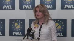 Conferință de presă susținută de prim-vicepreședintele PNL, Andreea Paul, și candidatul PNL la Primăria Sectorului 2, Dan Cristian Popescu