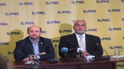 Conferință de presă susținută de vicepreședinții PNL Varujan Vosganian și Daniel Chițoiu